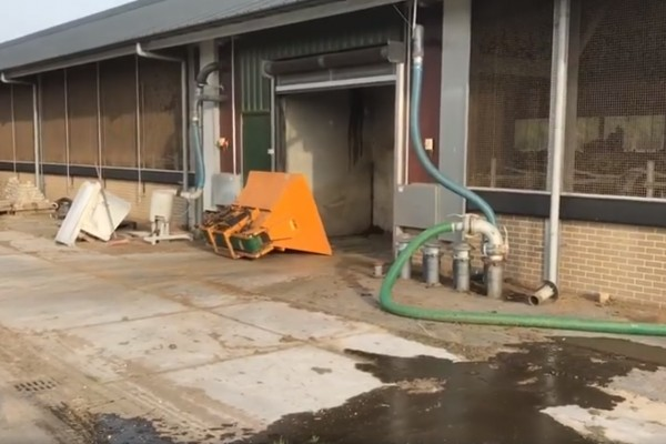 Dry manure bedding: automatic making & filling